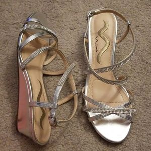 Nina Silver Shoes size 6